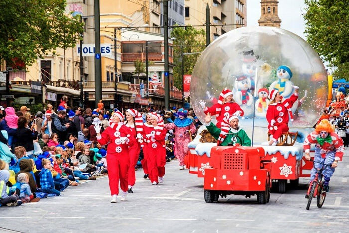The Best Christmas Decorations And Social Customs In Australia 2020